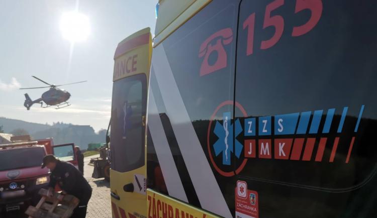 Devatenáctiletá řidička přejela dnes ráno do protisměru a srazila se čelně s dodávkou, dívka na místě zemřela