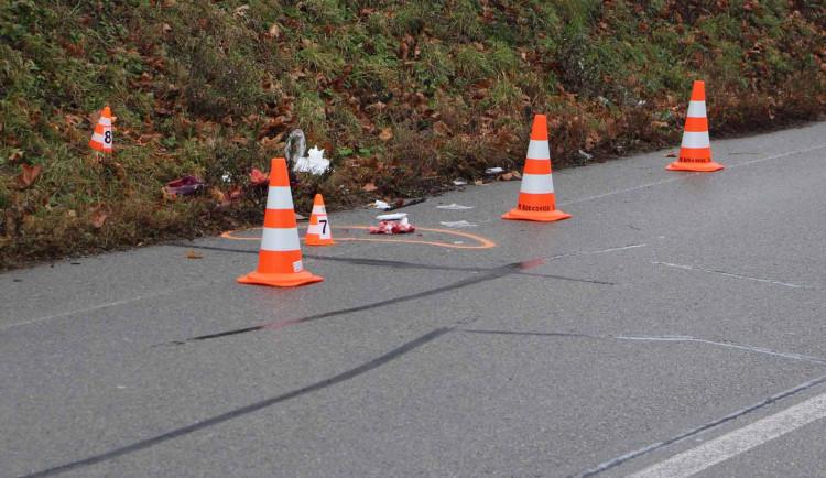 Auto srazilo v Brně tatínka s malým dítětem