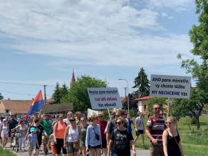 Tisíce lidí se zúčastnily pochodu proti těžbě u Moravského Písku
