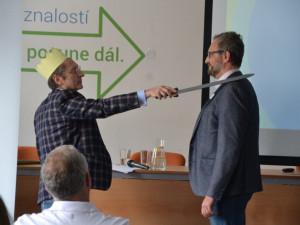Regionální hospodářská komora Brno rozšířila svoje řady o 27 firem. Slavnostnímu pasování předcházel workshop s Pavlem Teličkou