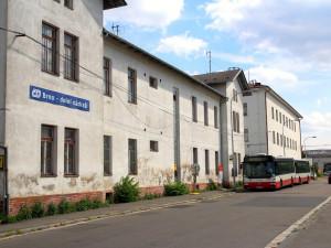 Silnice na jižní Moravě čeká řada stavebních uzavírek. Část cestujících vlakem bude v Brně jezdit opět na dolní nádraží