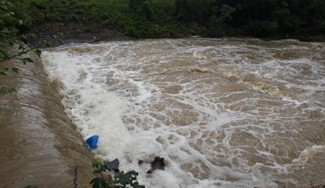 V nemocnici zemřel vodák, kterého vytáhli z rozvodněné Veličky