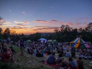 Festival Kamenka open láká na hudbu, gastronomické zážitky i atmosféru místa