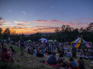 TIPY NA VÍKEND: Tancovačky na Moraváku, Kaménka Open, Ghettofest nebo charitativní bazar