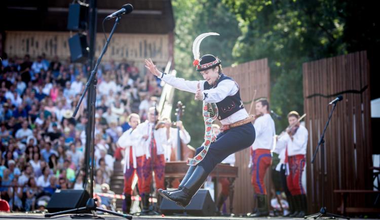 Finále soutěže o nejlepšího tanečníka slováckého verbuňku bude v září i s diváky