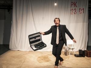 Českou pojišťovnu mi dali, říká nejbohatší Čech Kellner v inscenaci brněnského divadla