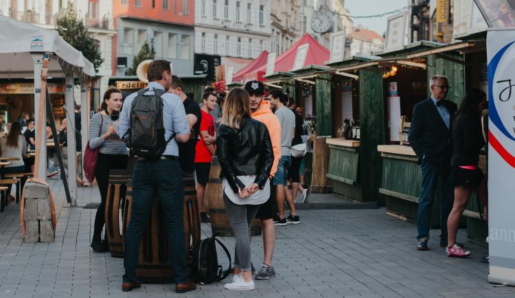 Pivo, víno i street food. Na Svoboďáku začal Food & Drink Fest