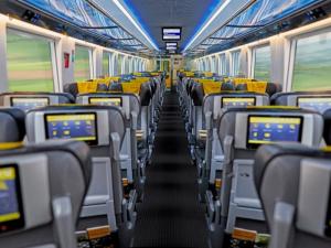 Žluté vlaky začnou jezdit do Chorvatska každý den. RegioJet přidá po zkušenostech i tiché vozy