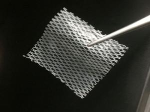Vědci z Brna vyvinuli unikátní náplast, která pacientům pomůže zahojit chronické rány