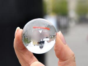 Brno ukrývá po centru kuličky z orloje. Hra na schovávanou může začít