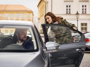 V Brně opět funguje přepravní služba Uber, za volantem budou sedět řidiči pražské taxislužby