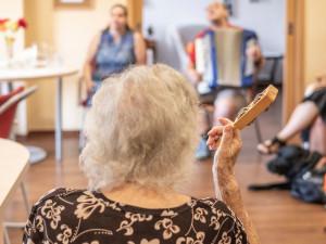 Průměrný věk života se na jižní Moravě výrazně zvýšil. Ženy daleko častěji oslaví osmdesátku