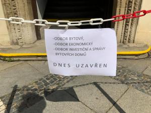 Policie opět zasahuje na radnici brněnského středu. Podle Hospodářských novin kvůli kauze politiků z ODS