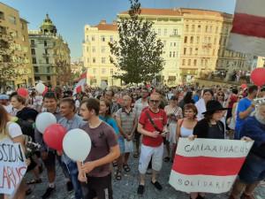 Běloruské občanské protesty podpořila v Brně asi tisícovka lidí