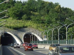Policisté řeší chodce, kteří si zkracují cestu brněnskými tunely