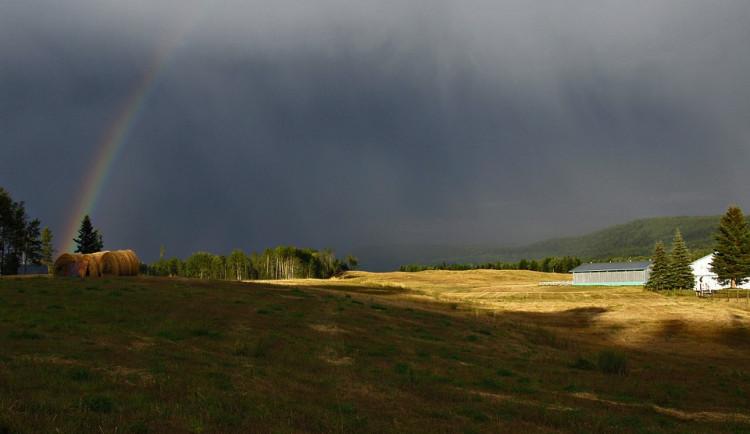 POČASÍ NA SOBOTU: Přes den budou tropy, večer přijdou bouřky