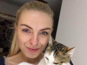 (NE)OBYČEJNÍ: Mladá Brňačka Petra žije pomocí pro kočky, spolu s dobrovolníky vypiplala už stovky šelmiček