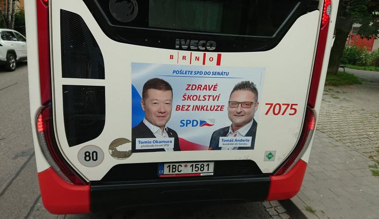 """Řidič brněnské hromadné dopravy odmítá jezdit autobusem se sloganem """"Zdravé školství bez inkluze"""" od hnutí SPD. Uráží to jeho děti"""