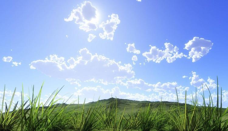 POČASÍ NA ČTVRTEK: Skoro jasná obloha a teploty přes dvacet
