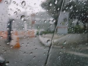 POČASÍ NA NEDĚLI:  Podzim je za dveřmi, neděle bude deštivá a zamračená