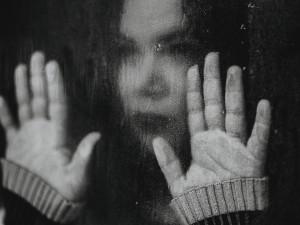 Nejtěžší je přesvědčit samu sebe, že lidem nejsem ukradená, říká žena, která přežila čtyři pokusy o sebevraždu