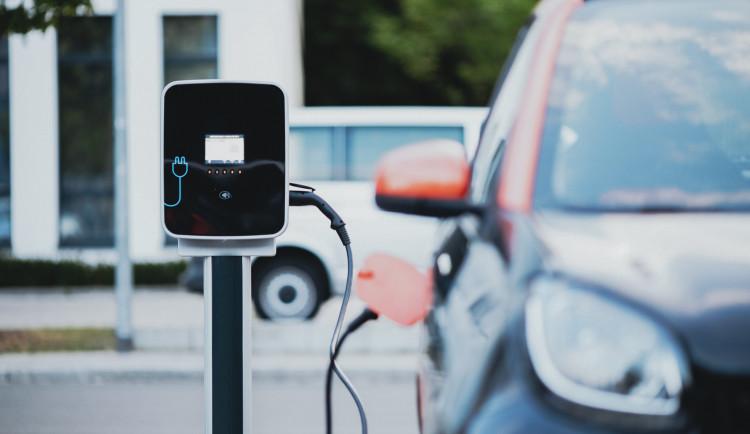 ANKETA: Jsou elektromobily dopravním prostředkem budoucnosti?