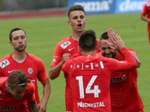 Pět členů týmu Zbrojovky má koronavirus. O konání nedělního zápasu s Olomoucí se rozhodne v sobotu