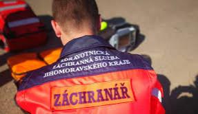 Řidič Volkswagenu narazil na Brněnsku do zámecké zdi, bohužel na místě zemřel