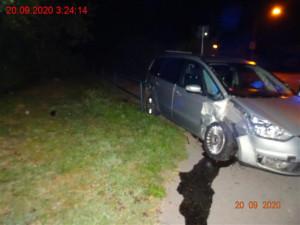 Opilý muž se v Brně vracel autem z oslavy. Naboural, ustlal si na zadních sedačkách a šel spát