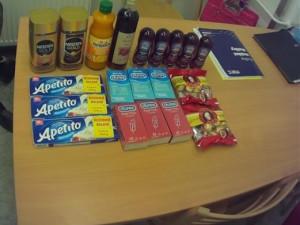 Muž v Brně chtěl ukrást šest krabiček kondomů, pět lubrikačních gelů, bonbóny i tavený sýr