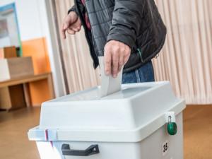 VOLBY 2020: Křížkovat nebo kroužkovat? Na co nezapomenout ve volební místnosti?