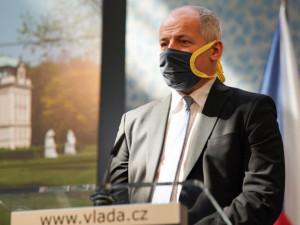 Česko hlásí rekordní nárůst nakažených. Prymula v pátek přitvrdí opatření