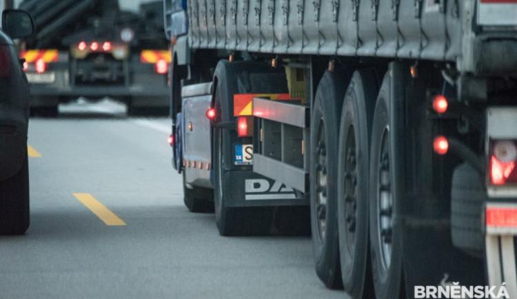 Kamion projel dálnici D52 v protisměru. Podle policistů nejde o ojedinělý případ