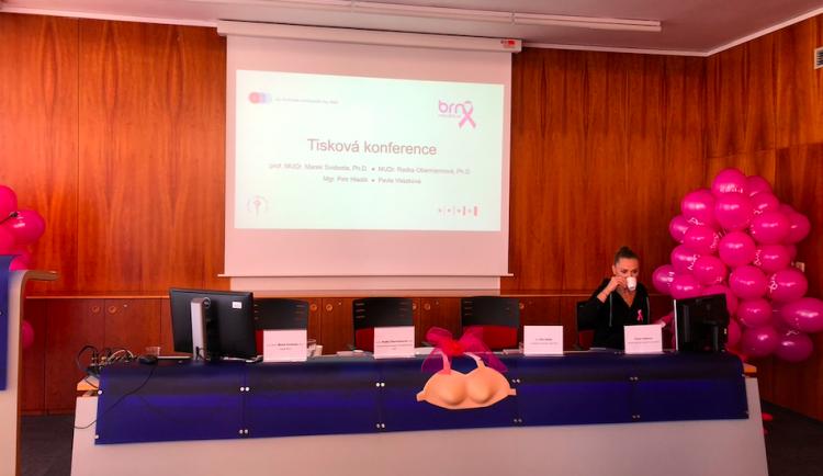 Nepodceňujte prevenci nádorových onemocnění, apeluje na ženy kampaň Brno narůžovo