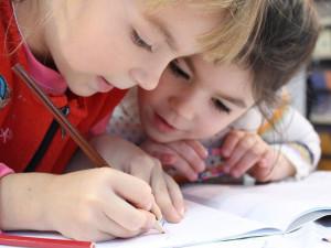 Zhruba 40 škol se bude starat o děti záchranářů, policistů a sociálních pracovníků