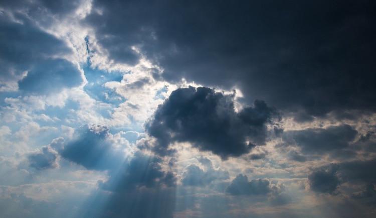 POČASÍ NA ÚTERÝ: Dnes očekávejte polojasno až oblačno