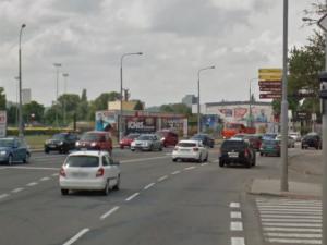 Kvůli stavbě se uzavře jeden pruh a zruší přechod pro chodce na Hněvkovského