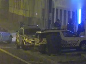 Policisté objevili nelegálně otevřené bary. V jednom lidé kouřili trávu a hráli automaty