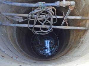 Na Znojemsku spadl muž do studny a zemřel