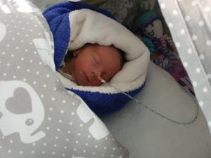 Malý brněnský zázrak. Žena s těžkým průběhem koronaviru porodila zdravého chlapečka, vážil pouhých 1600 gramů