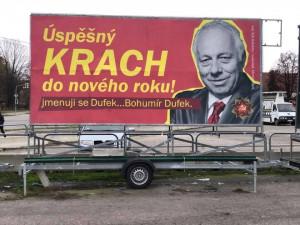 Odborář Dufek jako komunistický pohlavár. Flusnul nám do ksichtu, říká autor billboardů, které vylepil na jihu Čech