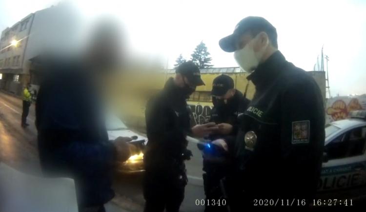 VIDEO: Opilý řidič jel v Brně v jednosměrce protisměrem, nadýchal tři promile