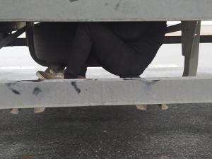 Policisté zadrželi na jihu Moravy za týden deset migrantů. Jeden z nich se držel pod návěsem a byl šťastný, že ho našli