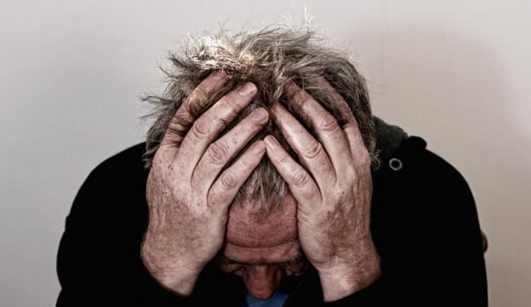Kvůli koronaviru se ve společnosti zvýšilo riziko depresí i sebevražd. Centrum Platan nabízí psychologickou podporu zdarma