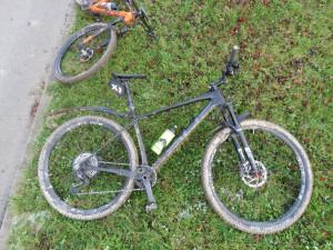 Opilý senior na kole zavinil ve Vyškově nehodu. Srazil se s druhým cyklistou