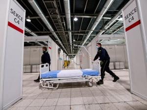 Záložní nemocnice v Brně zeje prázdnotou, fungovat bude do konce ledna. Město nyní řeší, kdo ji bude platit