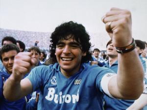 Zemřel legendární Diego Maradona. Podle argentinských médií měl podlehnout infarktu