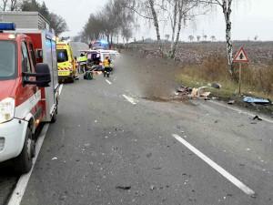 Při včerejší tragické nehodě u Bořitova jeden z řidičů zemřel. Na místě zasahovali hasiči i vrtulník