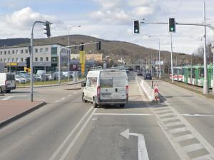 Kvůli havarijnímu stavu tramvajové trati se na víkend uzavře Kníničská. Omezení čeká motoristy i MHD