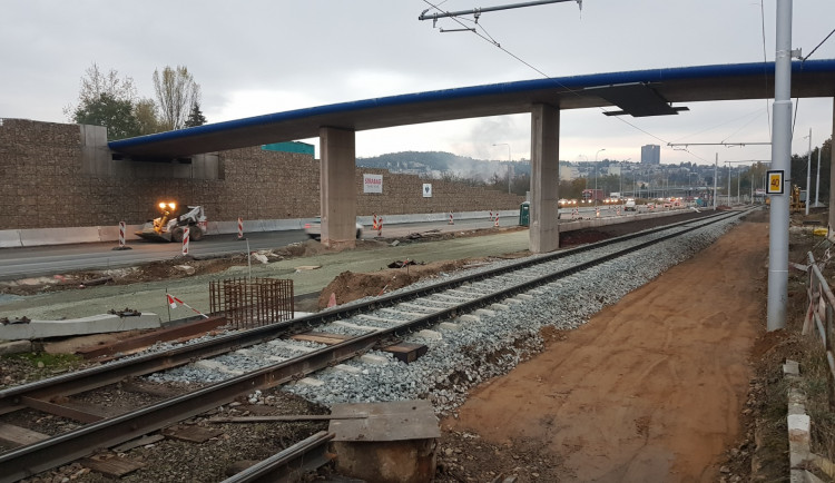 Silničáři dokončili první etapu městského okruhu Žabovřeská. Od ledna začne tramvajová výluka, potrvá dva roky